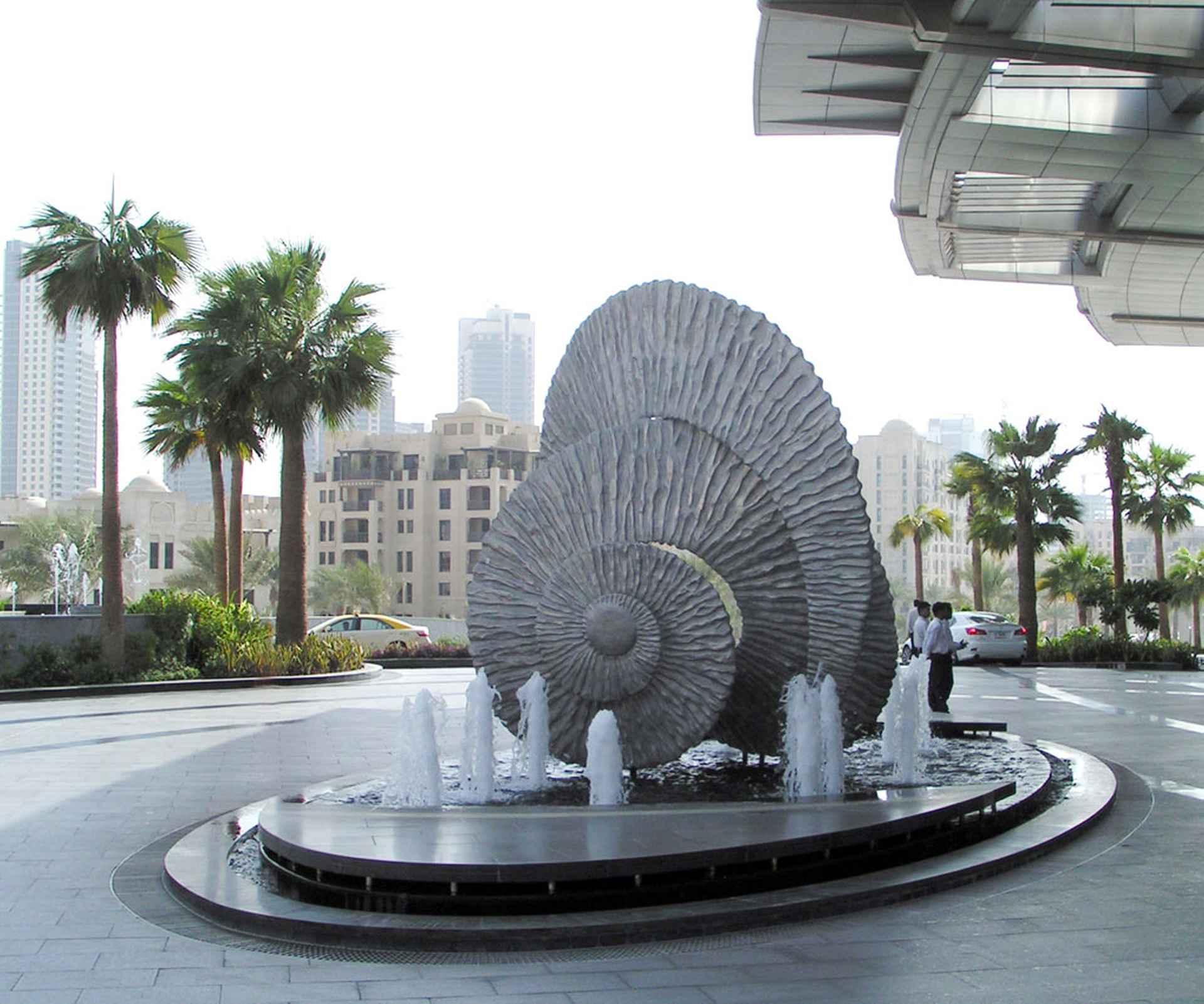 A perfect setting amongst palm trees by The Address, Dubai