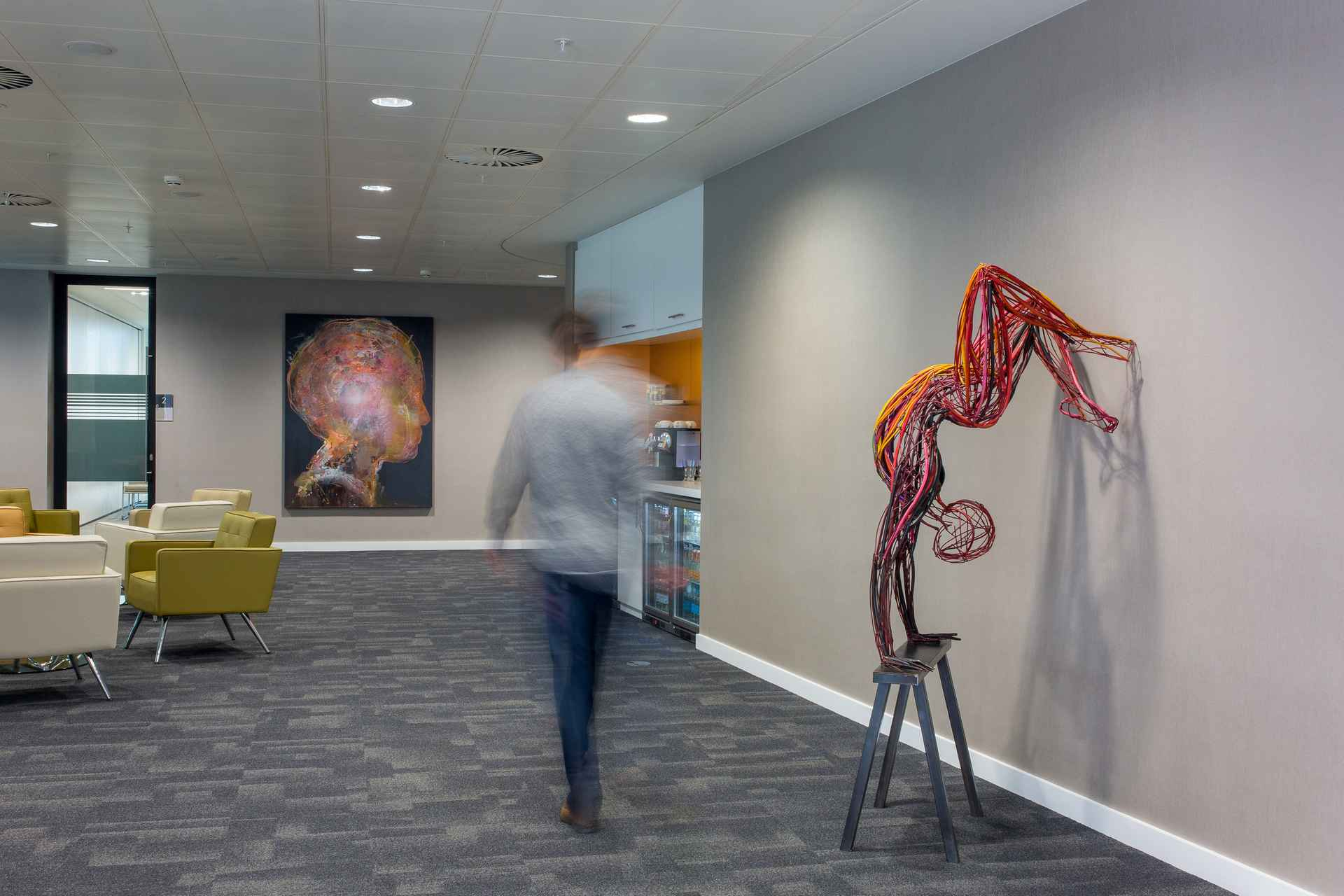 Addleshaw Goddard - Waiting clients can appreciate and enjoy cutting edge contemporary art